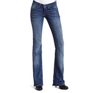 LEVI'S 528 Curvy Boot Cut Mid-Rise Jeans sz 9